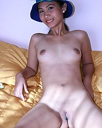 Posh manila girl nelly strips all the way down to her hat
